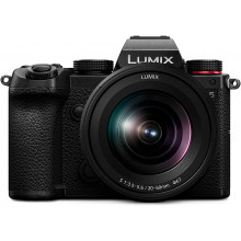 LUMIX DSLM FF 24.2MP CMOS F3.5-5.6 20-60